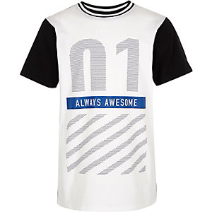 Boys white number print t-shirt