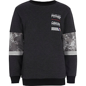 Graues Sweatshirt mit Blockprint