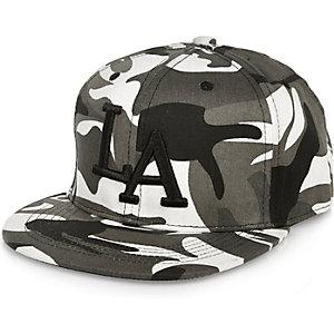 Graue LA-Kappe mit Camouflage-Muster