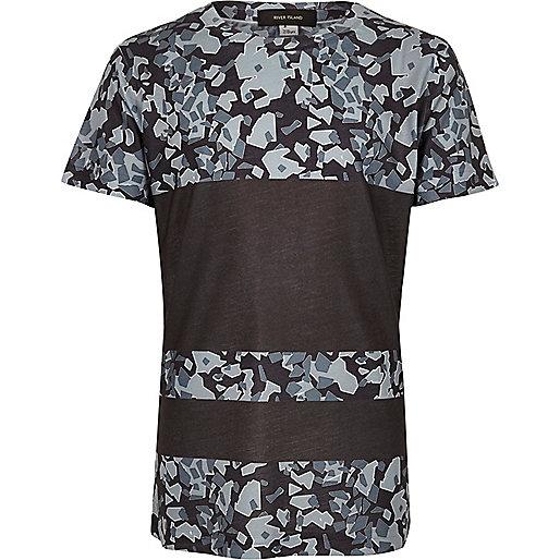 Graues T-Shirt mit Einsatz mit Camouflage-Muster