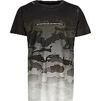 T-shirt camouflage gris délavé pour garçon