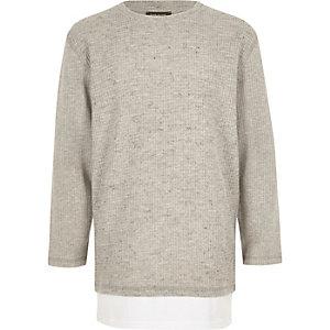 Graues, langärmliges T-Shirt im Lagen-Look