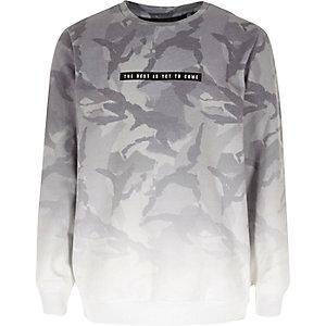 Graues, verwaschenes Sweatshirt mit Camouflage-Muster