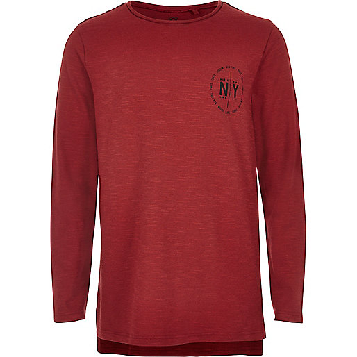 Rotes, bedrucktes T-Shirt