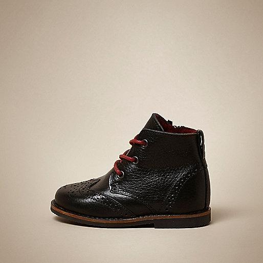 Schwarze Brogues-Stiefel aus Leder