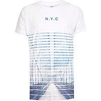 Weißes T-Shirt mit ausgebleichtem NYC-Print