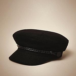 Marineblaue Mütze