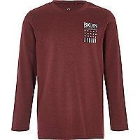 T-shirt rouge foncé imprimé Bklyn pour garçon