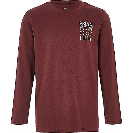 T-Shirt in Bordeaux mit Bklyn-Slogan