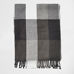 Boys grey buffalo plaid scarf