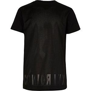 T-Shirt aus schwarzem Netzstoff für Jungen
