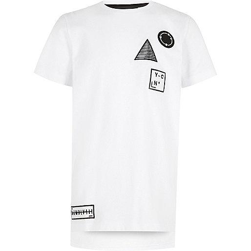 T-shirt blanc avec badge pour garçon