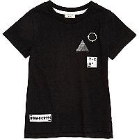 T-shirt noir à écusson mini garçon