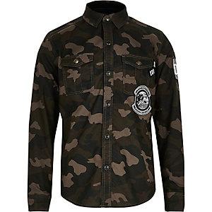 Chemise kaki camouflage avec écussons pour garçon