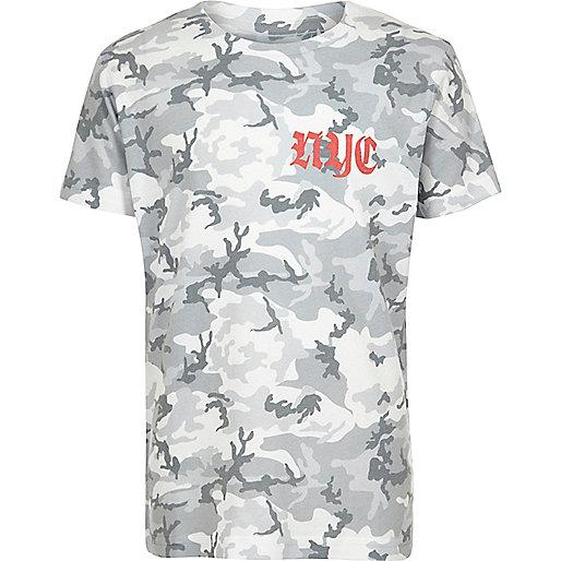 Jungen – Khakigrünes T-Shirt mit Militärmuster und Gothic-Print