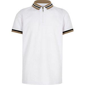Weißes Polohemd mit Reißverschluss