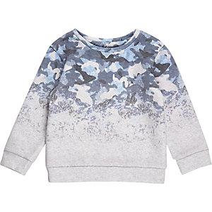Blaues Sweatshirt mit Camouflage-Muster