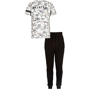 Boys green bird T-shirt joggers set
