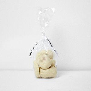Totenköpfe aus weißer Schokolade