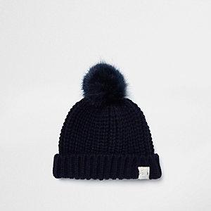 Marineblaue Mütze mit Kunstfellbommel