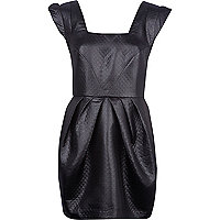 Black quilt waisted cocoon dress