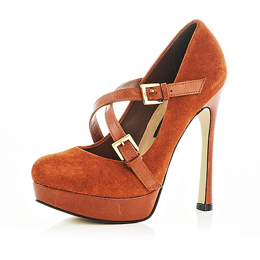 Brown strap court shoes
