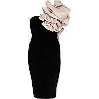 Black one shoulder corsage dress