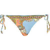 Blue placement scarf print bikini briefs