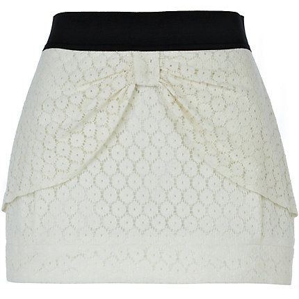 Cream bow lace skirt
