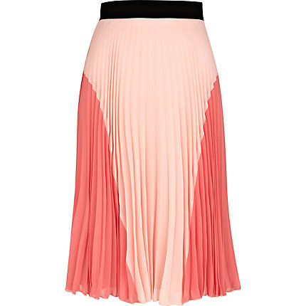 Light pink pleated midi skirt