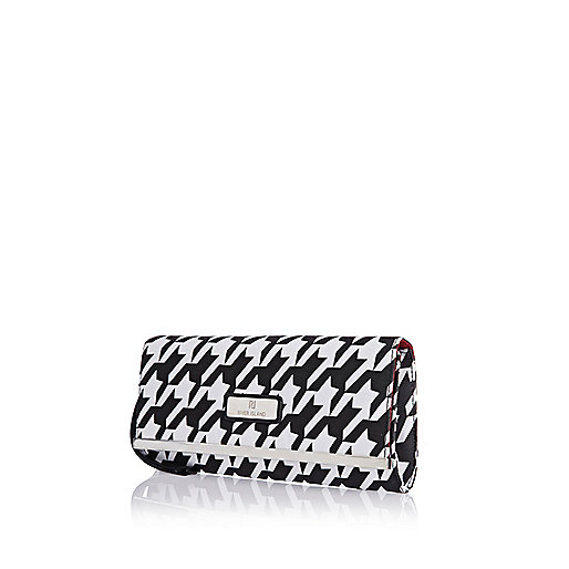 Black houndstooth print clutch bag