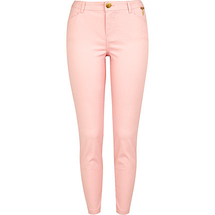 Light pink capri trousers