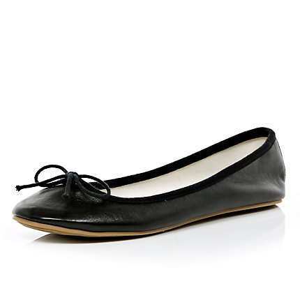 Black bow ballet pumps