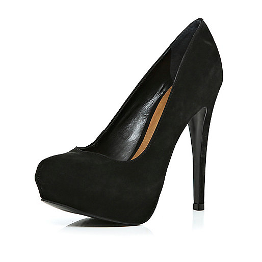 Black court shoes