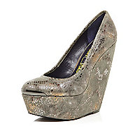 Grey metallic London Trash wedges