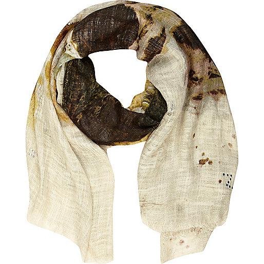 Cream heatseal wolf scarf