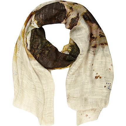 Cream heatseal wolf scarf