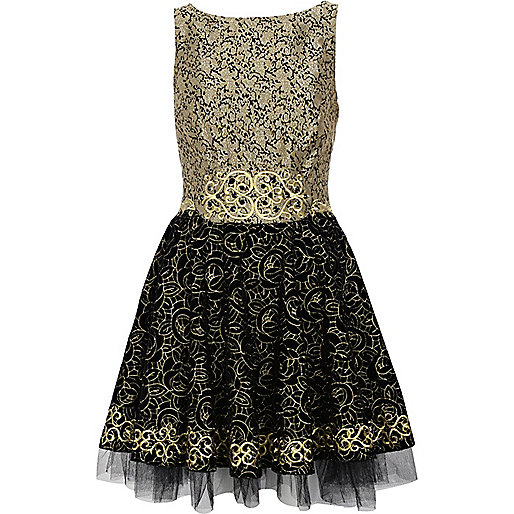 Black metallic baroque prom dress