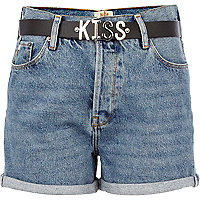 Light wash kiss belted denim shorts
