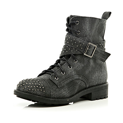 Black stud buckle worker boots