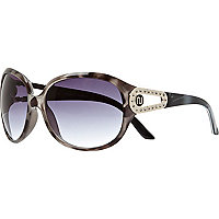 Black tortoise shell oversized sunglasses