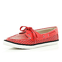 Red perforated stripe sole boat shoes