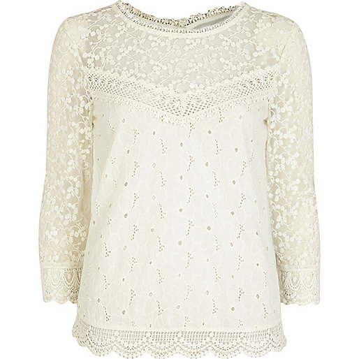 Cream crochet 3/4 sleeve blouse