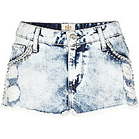 Acid wash embellished frayed denim shorts