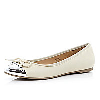 Cream metal toe cap ballet pumps