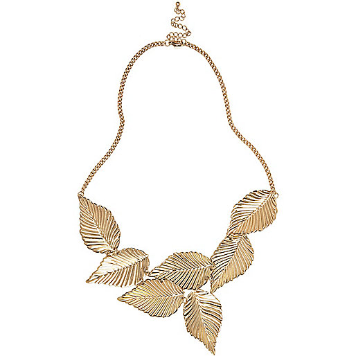 Gold tone leaf necklace