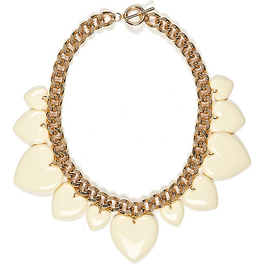 Cream retro heart chunky short necklace
