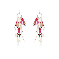 Red feather hanging chain earrings