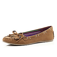 Light brown fringed moccasin shoes