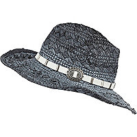 Black sprayed woven hat